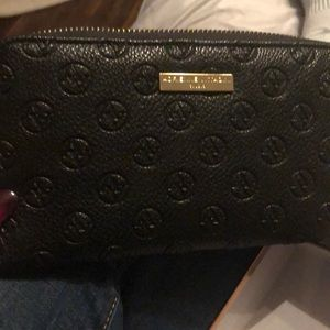 Brand new Adrienne Vittadini Credit Card Wallet